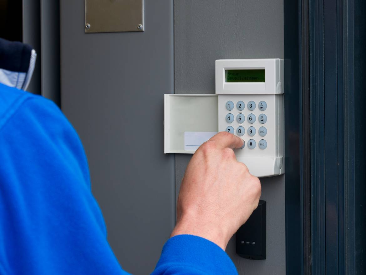 5-Signs-It-Is-Time-To-Upgrade-Your-Home-Alarm-System.jpg
